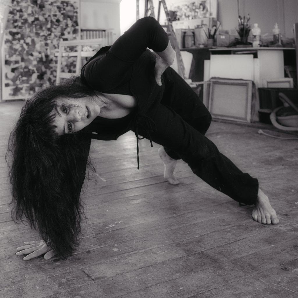 Cie la Vicomtesse, Marie Grommier,danseuse-comédienne, sociologue, shooting atelier Nadin en Bourgogne. Photos Jean-Paul Monnier, mars 2020